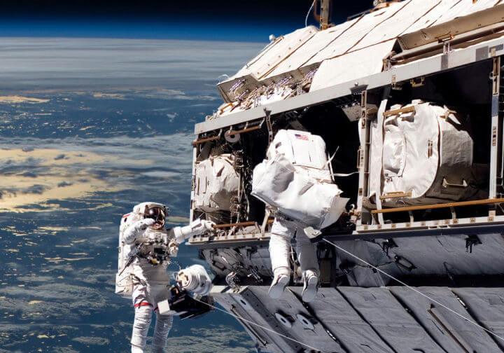 Technische Geflechte in der Luft- und Raumfahrt